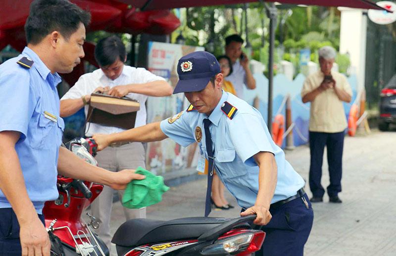 Nghiệp vụ của bảo vệ dịch vụ cao được kiểm tra thường xuyên